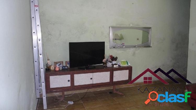 Casa de 03 dormitórios na vila nova