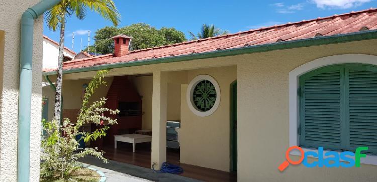 Casa em terreno ajardinado muito bem conservada 300m da praia itanhaém s/p