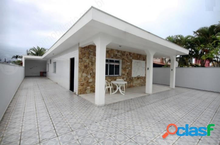 Ótima casa a 200 m da praia do grandesp em itanhaém sp.
