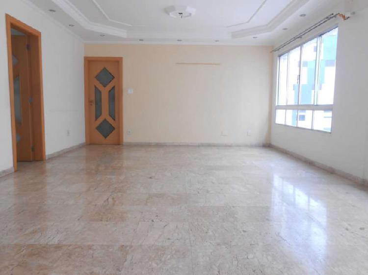 3 quartos, uma quadra da praia Gonzaga - Santos - SP