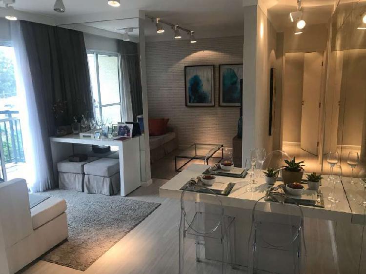 Apartamento mobiliado e decorado, pronto para se mudar. com