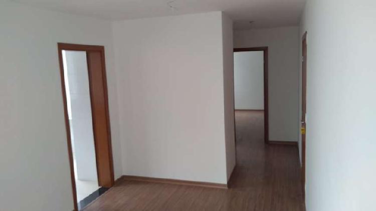 Apartamento 62 m2 com 2 quartos, suíte e armários no
