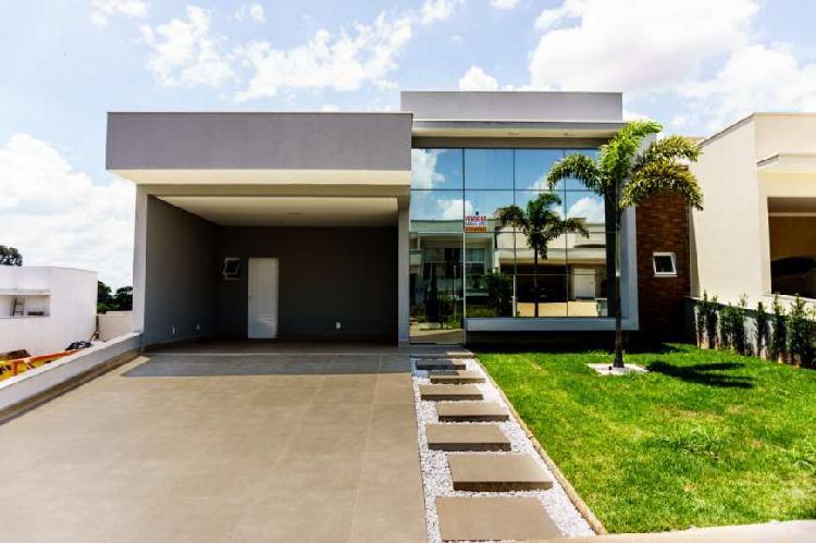 Casa de condomínio para venda possui 187 metros quadrados