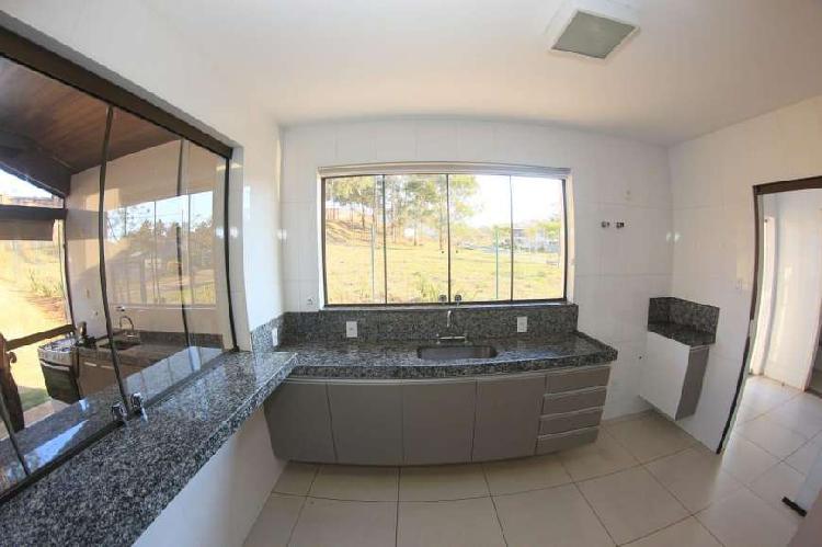 Casa à venda, 4 quartos, 2 suítes, num dos residenciais