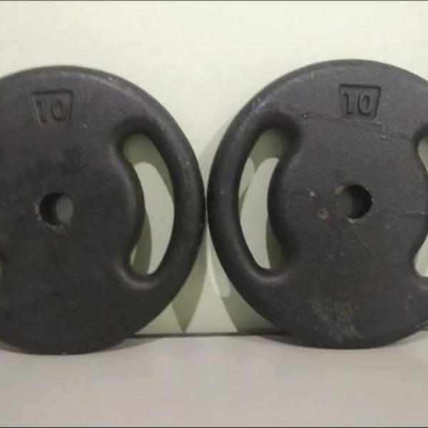 2 anilhas pesos de 10kg para barra / halteres - musculação