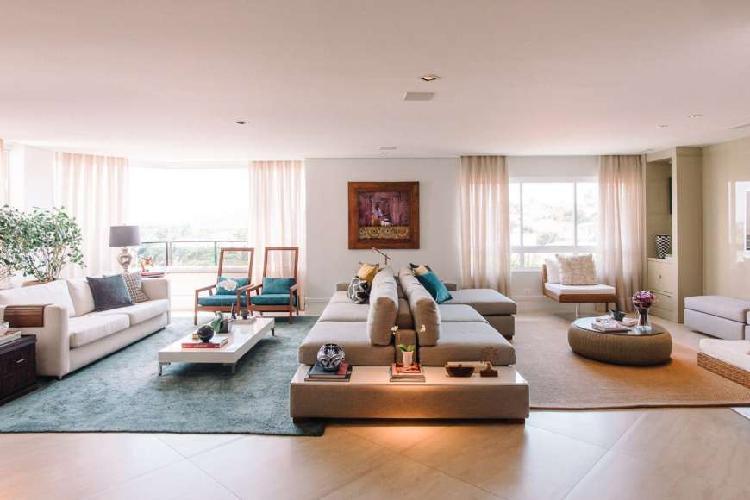 Apartamento para aluguel possui 285 metros quadrados com 4