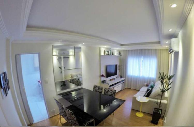 Apartamento reformado com 2 quartos direto c/ proprietário