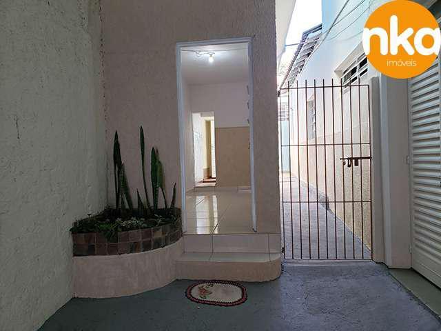Casa 2 dormitórios c/ edícula - swift - nka imóveis.