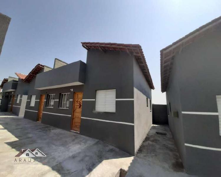 Casa térrea em Franco da Rocha 2 dormitórios 1 vaga -