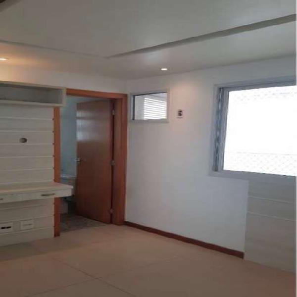 Cobertura para venda tem 219 metros quadrados com 3 quartos