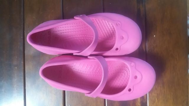 Crocs sapatilha rosa pink tamanho 33/34 menina usado