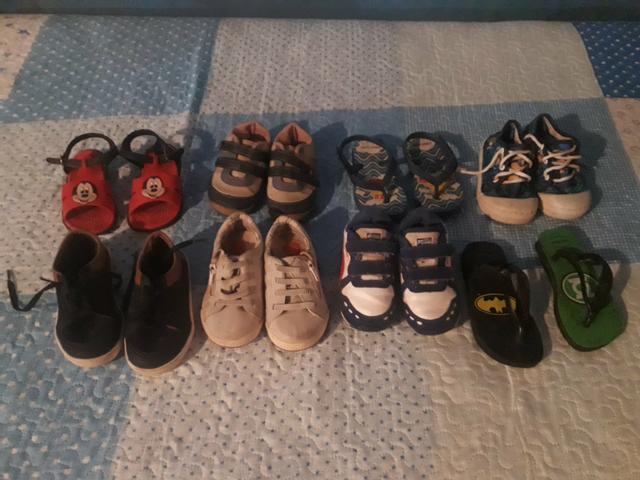 Lote de sapatos tamanho 21 e 22