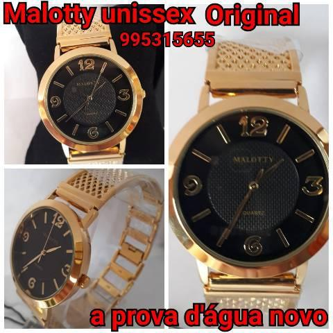 Relógio malloty fundo preto. pulseira estilo bracelete