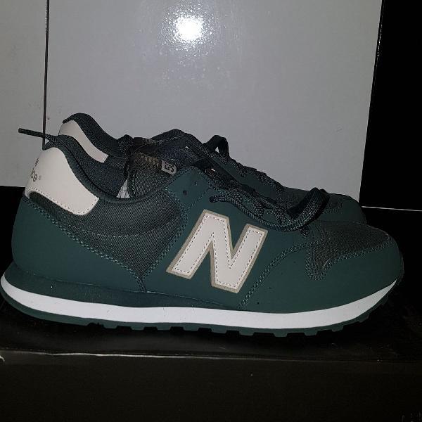Tênis new balance de couro verde