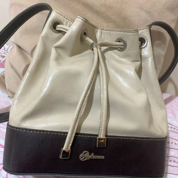 Bolsa saco de couro anandra