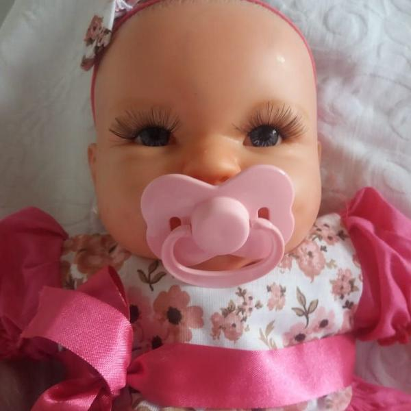 Boneca tipo reborn pintada a mão cheirinho de bebê