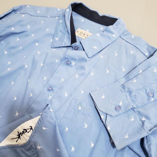Camisa de botão azul claro konyk