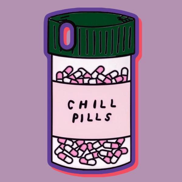 Capinha de silicone 3d chill pills da love potion p/ iphone