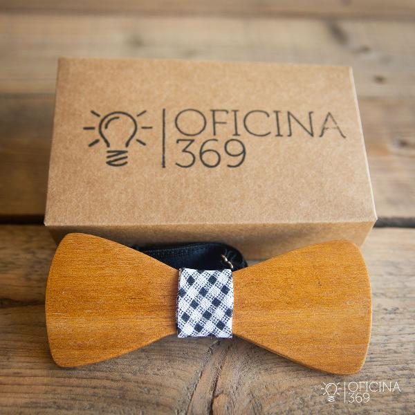 Gravata borboleta vintage retro madeira