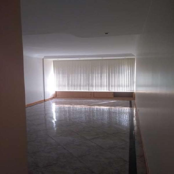 Apartamento para aluguel tem 125 metros quadrados com 4