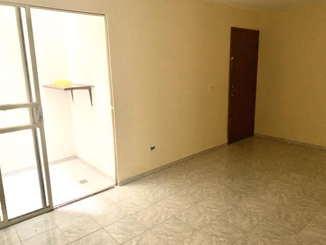 Apto 90 m2 - 3 quartos, sendo um suíte- r1200,00
