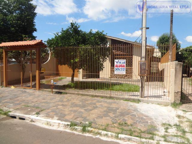Imobiliária vital aluga casa de três dormitórios no