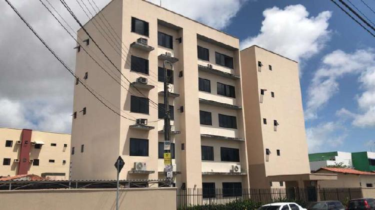 Próximo Farias Brito. Apartamento 110m2 no bairro