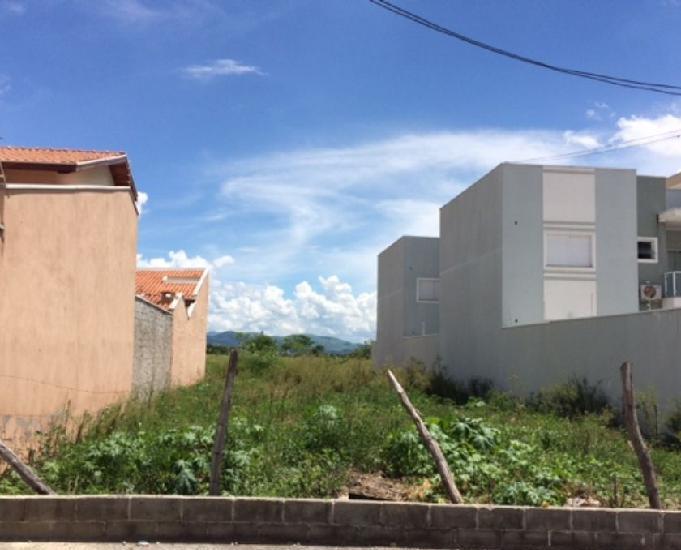 Terreno no village santana