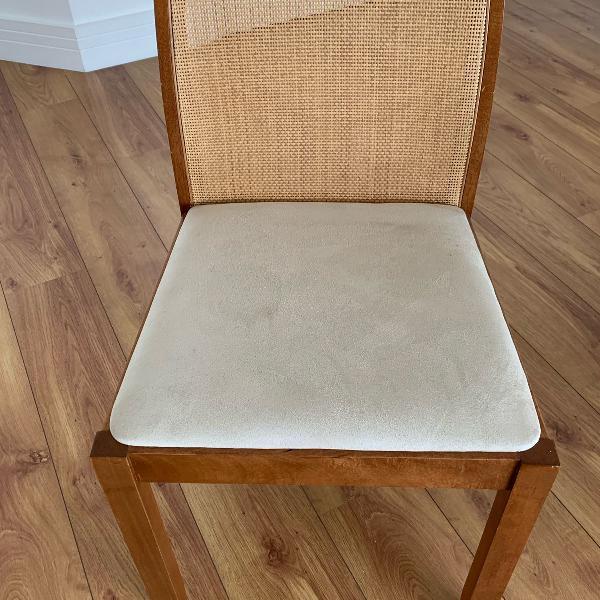 Conjunto de cadeiras (madeira maciça)