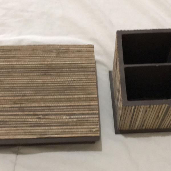 Conjunto de caixa e porta controle