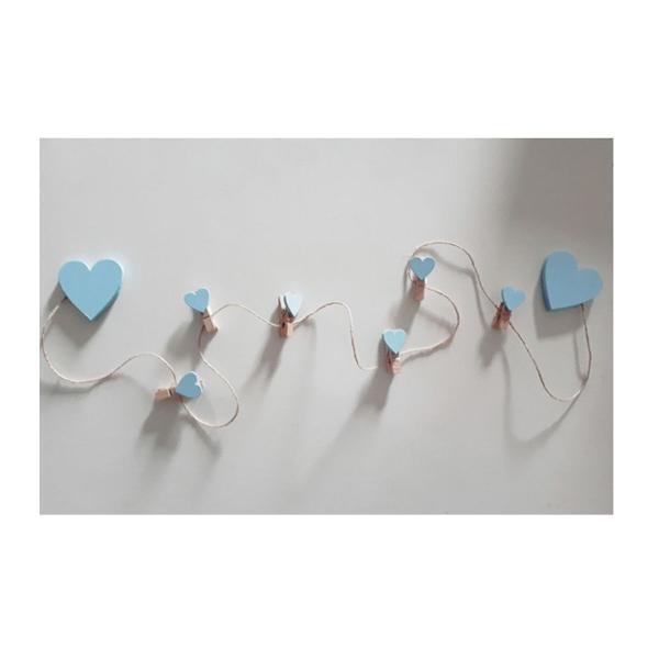 Varal de fotos com corações azul
