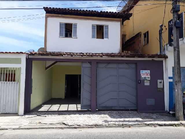 Vende-se casa ampla centro porto seguro