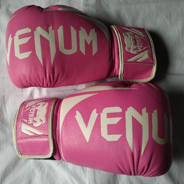Luva de boxe cor rosa