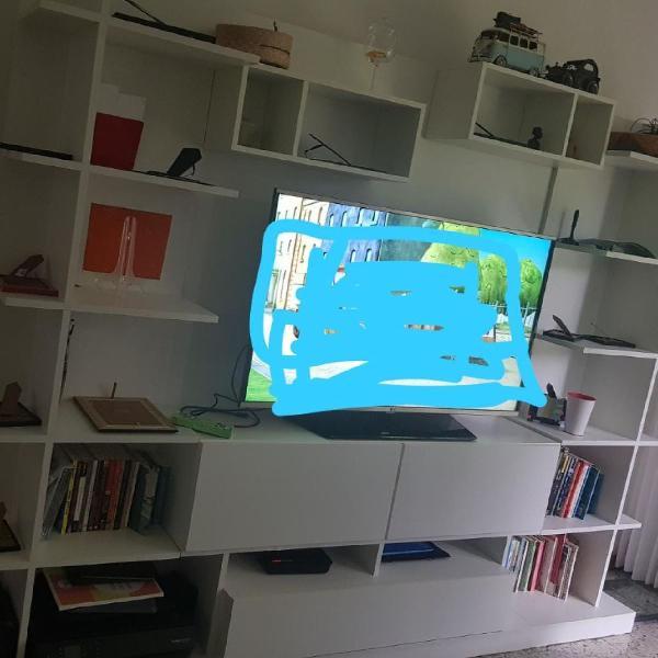 Estante branca para livros, tv, decoração, etc