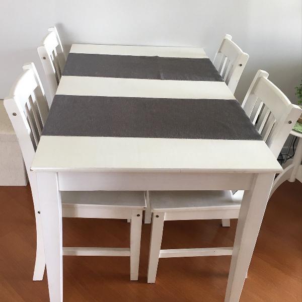 Mesa tok & stok com 4 cadeiras