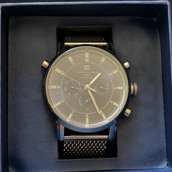 Relógio tommy hilfiger pulseira de esteira aço