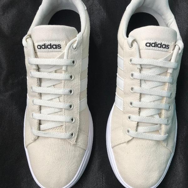 Tenis adidas daily 2.0 masculino bege+branco