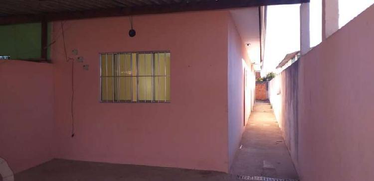 Casa com 3 qts, sendo 1 suite, 2 vagas cobertas-Jd. São