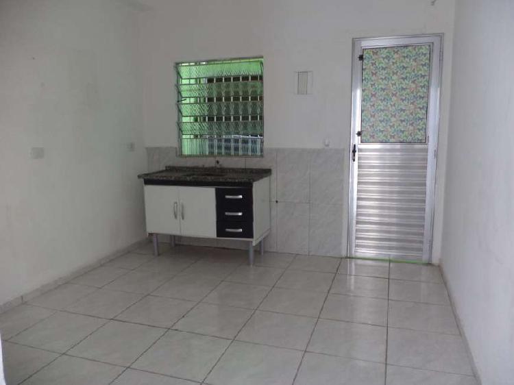 Vila Guarany- Casa de 1 quarto e cozinha, 45m2, metrô