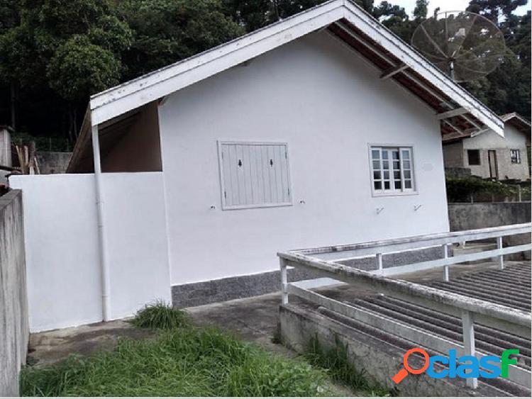 B. floresta negra - casa com 02 dormitórios.