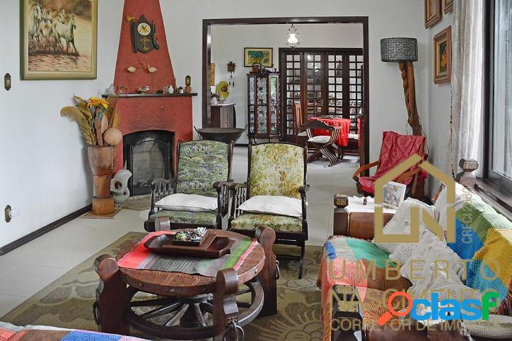 Linda casa à venda com 6 quartos na rua coronel federsen blumenau sc