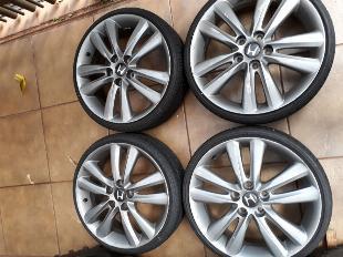 4 rodas e 4 pneus aro 18 com 5 furos - usados em bom estado