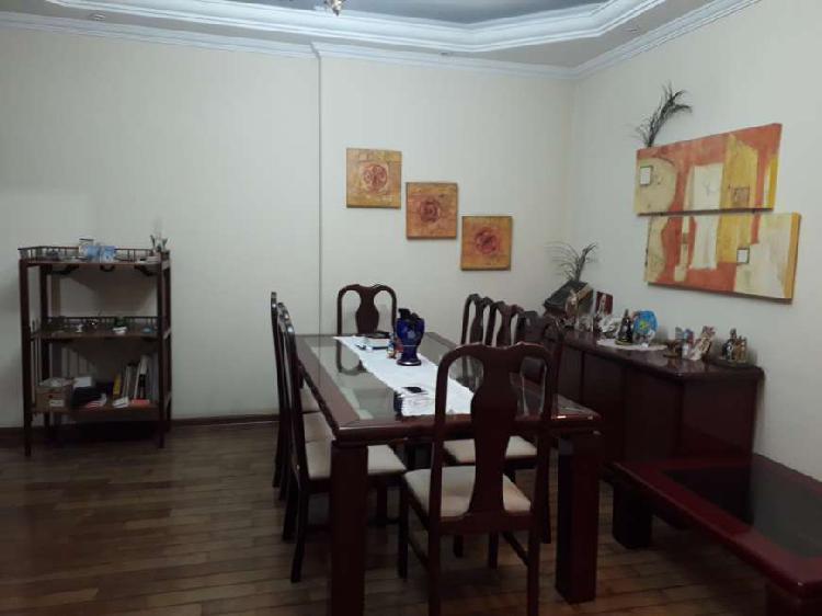 Apartamento no centro à venda com 145 mt² com 3 quartos e