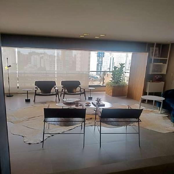 Apartamento para venda possui 189 metros quadrados com lazer