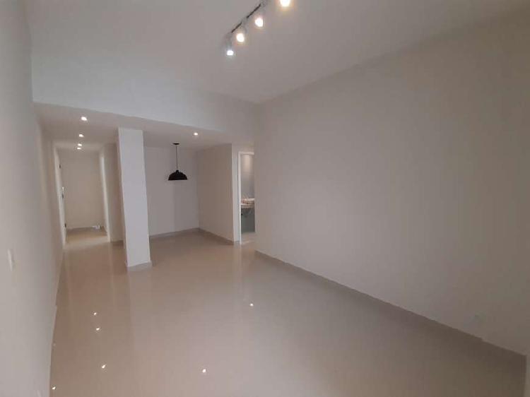 Apartamento para venda possui 85 metros quadrados com 2
