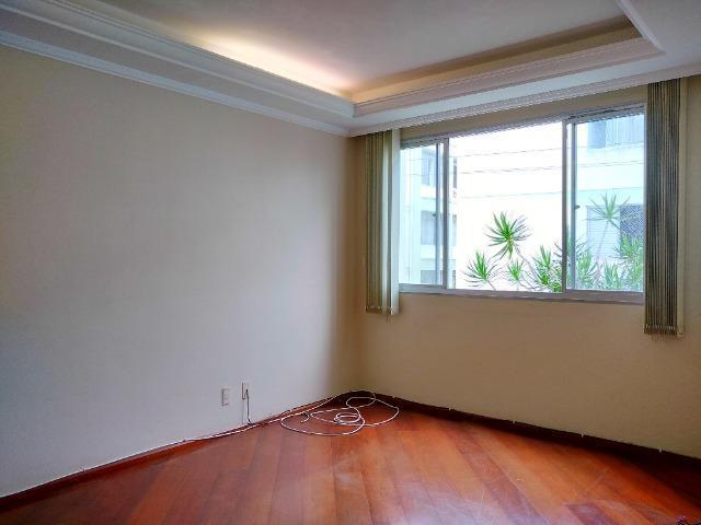 Apartamento á venda na carvoeira, um dormitório.