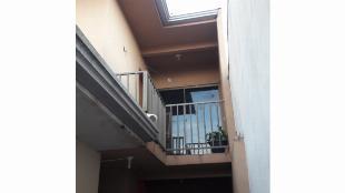Vendo casa geminada é um sobradinho meio terreno Paulista 3