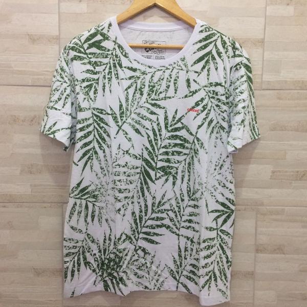 Camiseta linda da colcci florida