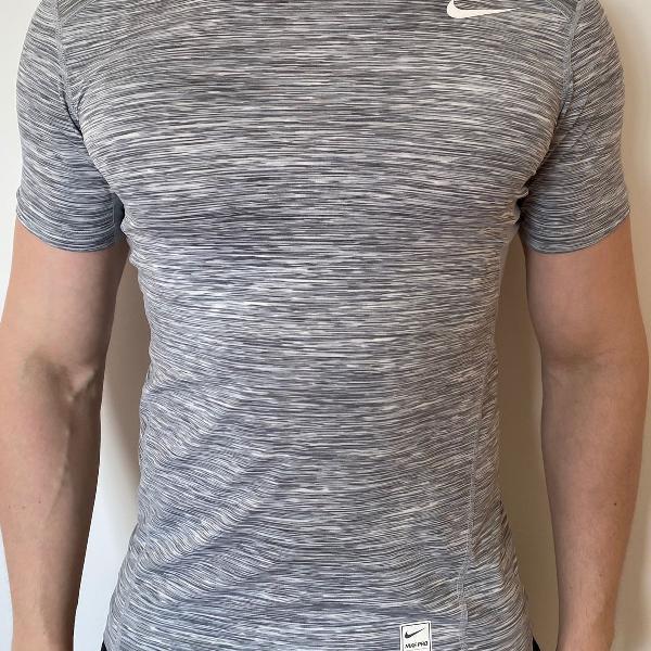 Camiseta nike pro running cinza mescla - m