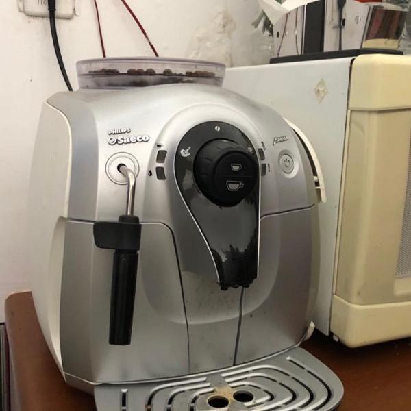 Máquina de cafe saeco